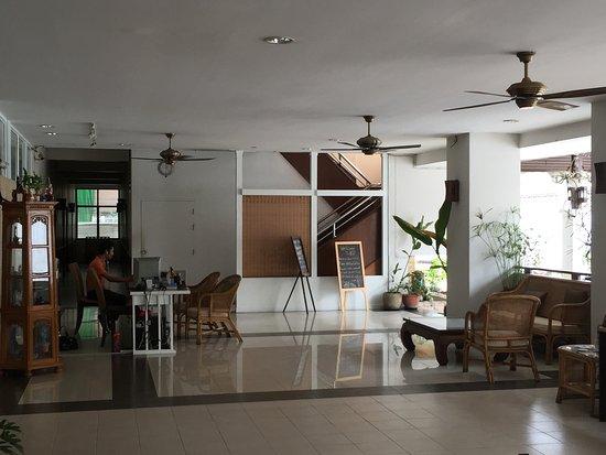Mali's Room: Reception area