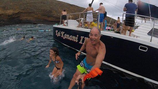 Kai Kanani Sailing Charters: Fun stuff at Molokini