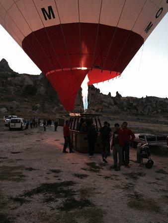 Balloon Turca: Daha önce de balon turu yapmış biri olarak kesinlikle öneriyorum. Pilot Abdullah Bey'e ve Kadir