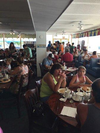 Admiral's Table Restaurant: IMG_0679_large.jpg