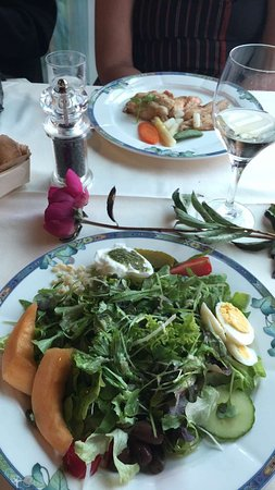 Cully, Zwitserland: Salad and Fish