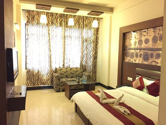 Hotel Namaskar Residency: Royal imperial