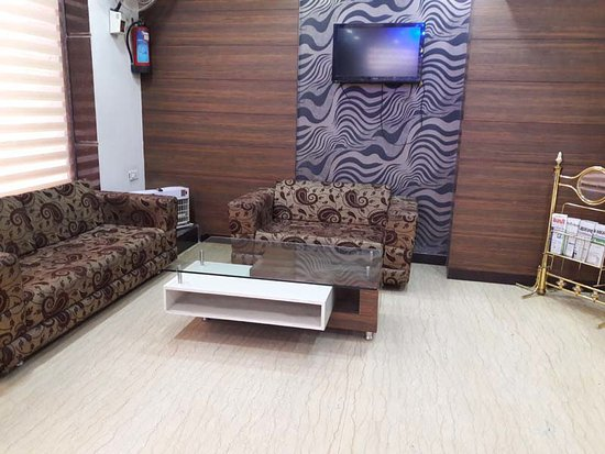 Hotel Namaskar Residency: Reception area