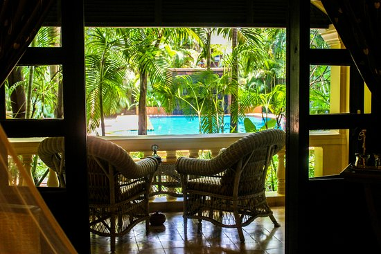 Pavillon d'Orient Boutique-Hotel: Deluxe room with pool view