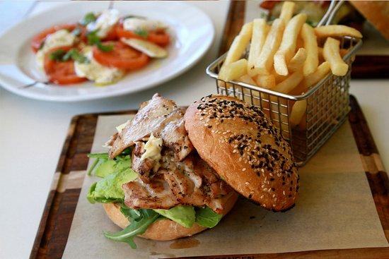 Beach House Balmoral Restaurant & Cafe