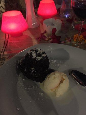 Side Resort Hotel: Lækker Bomba desert på La sera, som blev bestilt et par gange ;-)