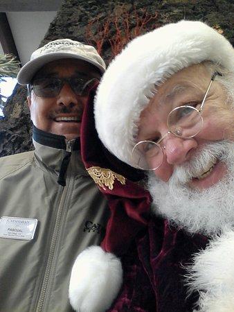 Catamaran Resort Hotel and Spa : Santa with a warm and happy manager