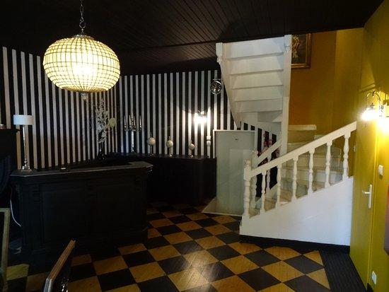 Cherac, Francia: Hall d'entrée