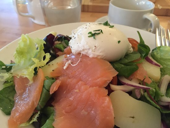 Zest Cafe: Large portions - well prepared.