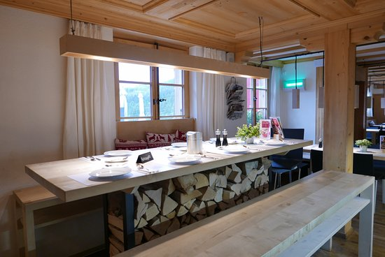 Berghaus Bort: hotel restaurant inside