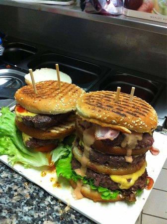 LA CASA MIA : Super burgers maison!!! Et surtout un grand choix..