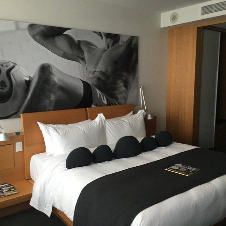 Hotel Le Germain Maple Leaf Square: photo8.jpg