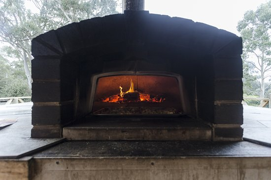 Moina, Австралия: Wood Fired Pizzas on the Deck