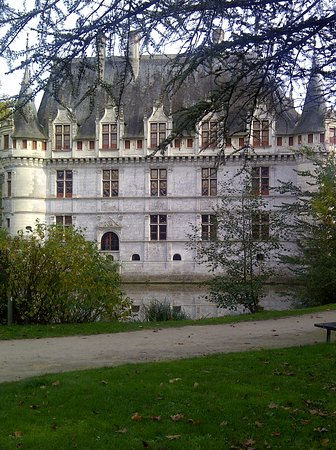 ch teau d 39 azay le rideau picture of chateau of azay le rideau azay le rideau tripadvisor. Black Bedroom Furniture Sets. Home Design Ideas