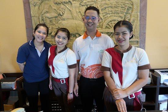 بان شاونج بيتش ريزورت آند سبا: The friendly and helpful reception staff