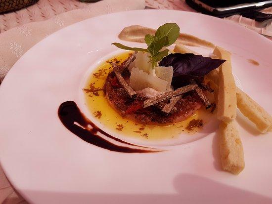 carpaccio de veau et truffe d'été - picture of la table des