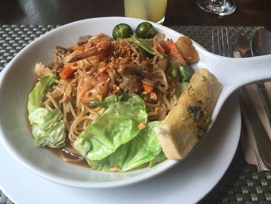 BEST WESTERN Hotel La Corona: panchit canton - 好吃
