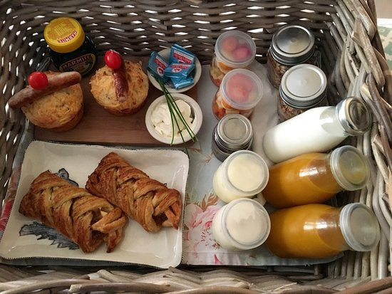 our continental breakfast baskets delivered fresh