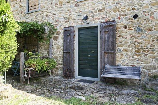 """Vicchio, อิตาลี: Entrata appartamento """"Il caminetto"""""""