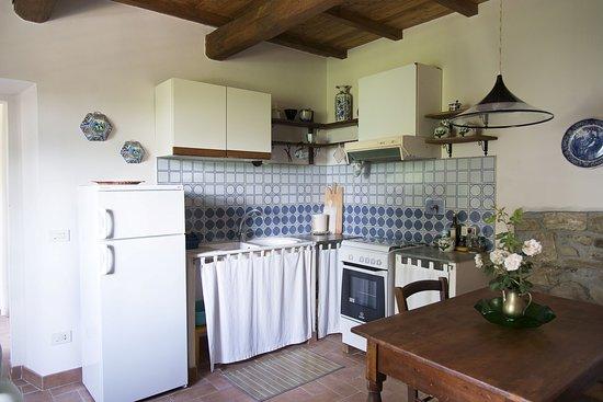 """Vicchio, Italia: Cucina appartamento """"Il caminetto"""""""
