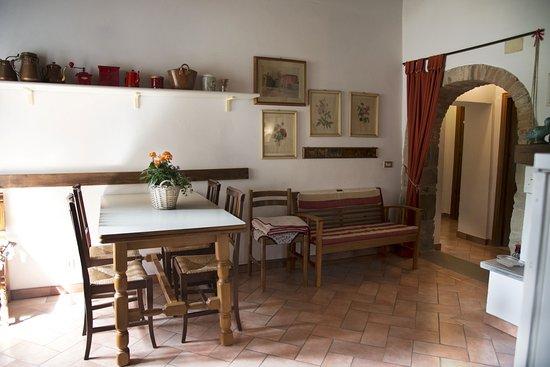 """Виккьо, Италия: Cucina appartamento """"Le scalette"""""""