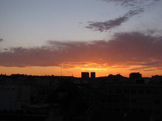 Sunset restaurant : sunset