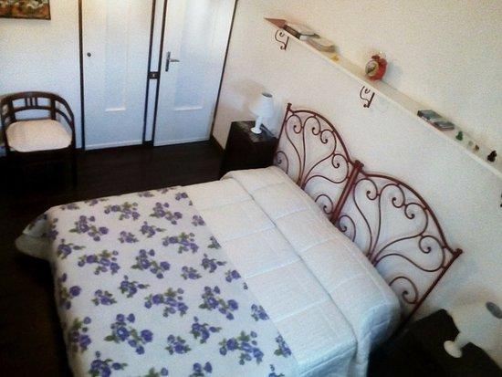 Bagno In Camera Da Letto Normativa : Camera da letto con bagno foto di b b campofrati bobbio