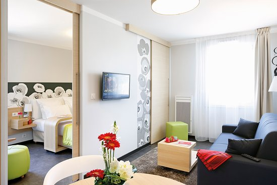 Appart 39 city reims parc des expositions updated 2017 for Appart hotel reims