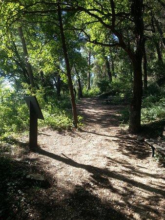Gardanne, Γαλλία: Sentier de la Colline des Frères
