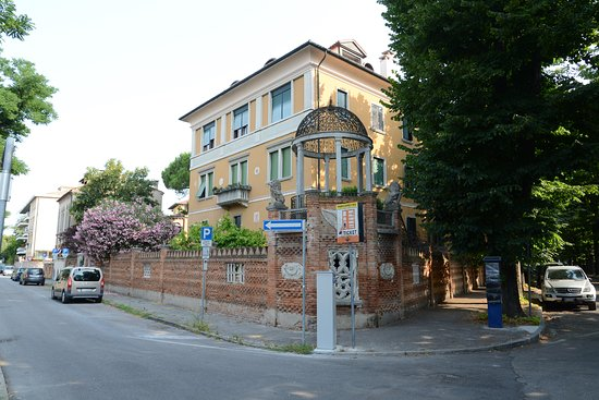 Hotel La Pergola di Venezia: This is the building of the apartment, not the - This Is The Building Of The Apartment, Not The Hotel. - Foto Di