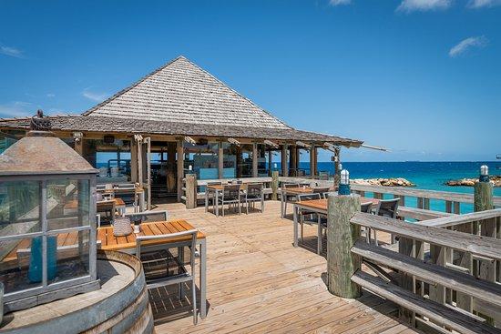 Blues Bar & Restaurant: Outside