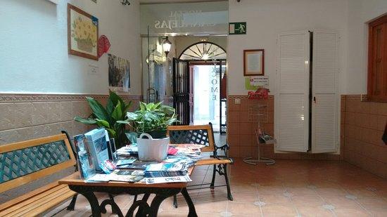 Hostal Canalejas: IMG_20160801_124148955_large.jpg