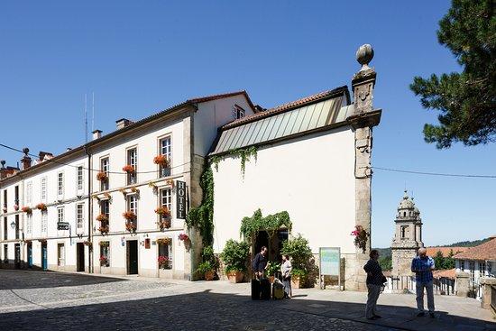 Costa Vella Hotel: Calle exterior