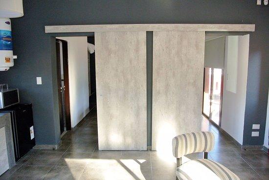 Puertas corredizas para separar ambientes picture of la for Puertas correderas para separar ambientes