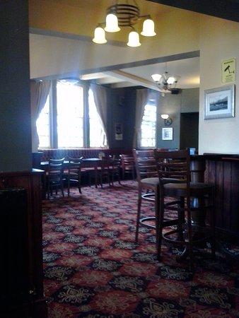 The Burn: Bar Lounge
