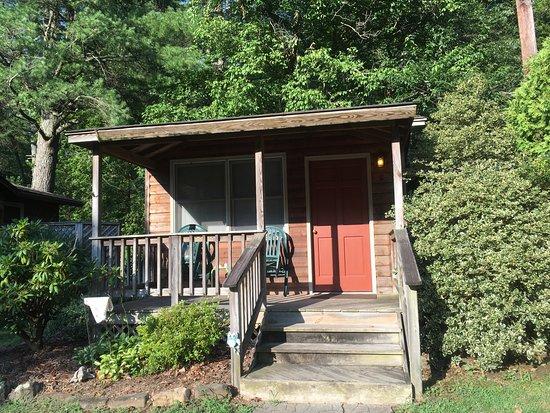 Entrance - Brookside Cabins Image