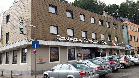 Quierschied, Alemania: Gasthaus Didion von links