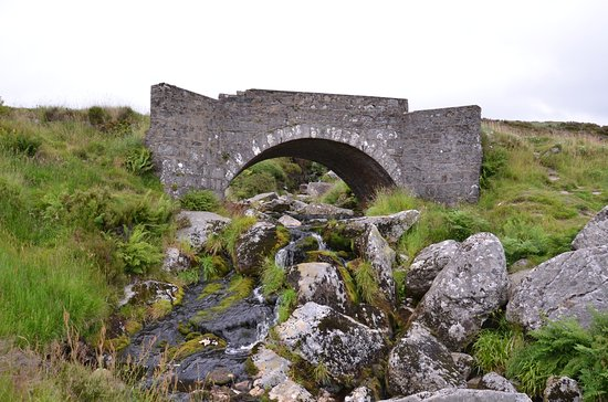 Wicklow Mountains National Park : The kissing bridge (from P.S. I love you)
