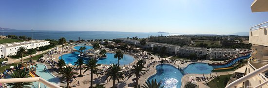 Louis Creta Princess Beach Hotel: Panorama-bild över pooler och strand