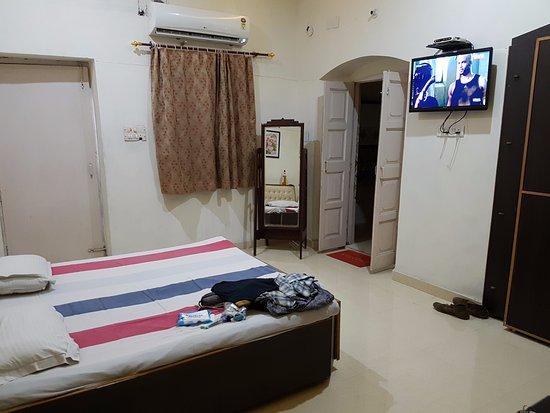 Tourist Guest House Photo