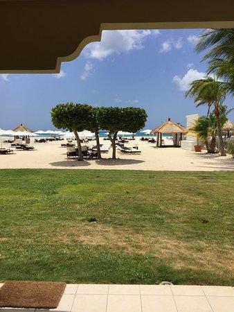Bucuti & Tara Beach Resort Aruba: View from the ground level Tara suite.
