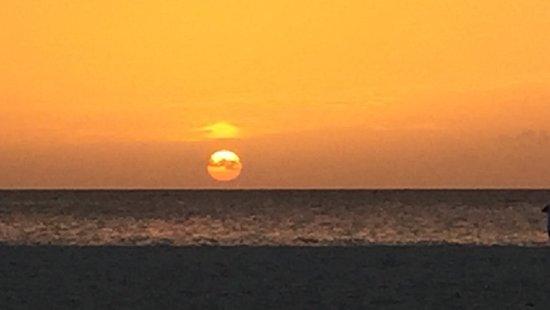 Bucuti & Tara Beach Resort Aruba: Beautiful sunset at the Bucuti & Tara!