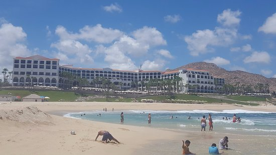 Hilton Los Cabos Beach & Golf Resort: View of the resort from the beach.