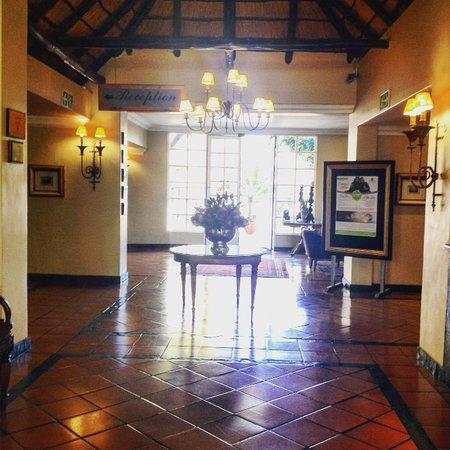 Indaba hotel fourways afrique du sud voir les tarifs for Salle a manger johannesburg