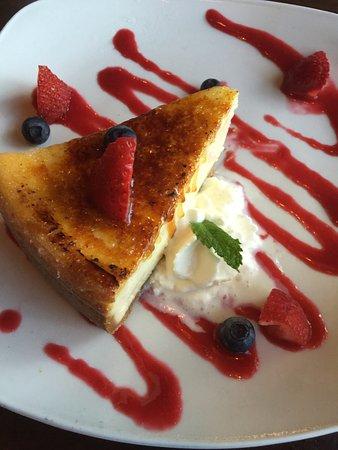 Bartlett, TN: Creme Brulee Cheesecake- AMAZING!!!