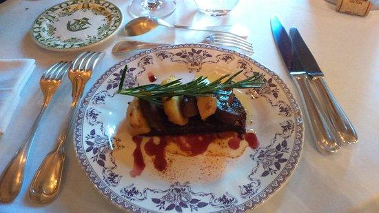 Chateau de la Bourdaisiere: pain d'épice + foie gras poêle + pomme = trop gras le pain d'épice est plein de graisse du foie