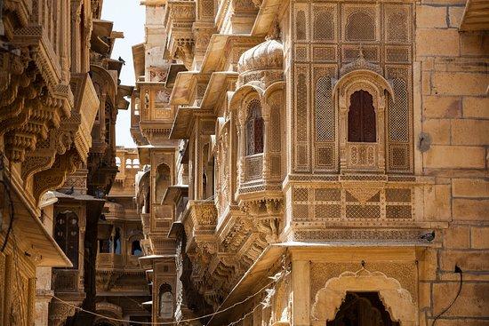 Arya Tours and Travels: Patwa ki haveli