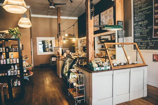 Algona, IA: Inside Coffee & Chocolate Bar