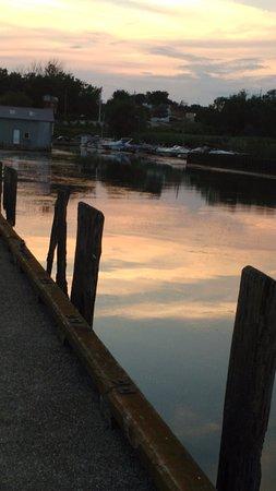 Seasons House B&B : Evening photograph taken at Port Rowan near the waterfront trail