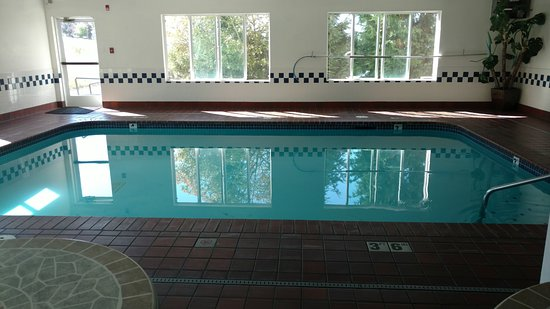 Days Inn and Suites Sequim: Pool
